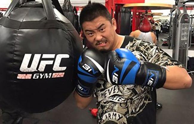 Võ Trung Quốc bị lộ trò bẩn: Người hùng MMA Từ Hiểu Đông - 1