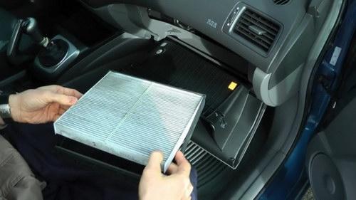 Mẹo sử dụng điều hòa ô tô khi trời nắng nóng - 3