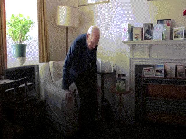 Cụ ông 105 tuổi tiết lộ bí quyết giúp sức khỏe dẻo dai