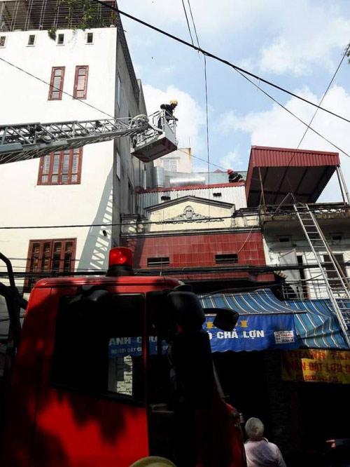 Cháy cửa hàng bánh cuốn, giò chả, 3 người bị bỏng - 6