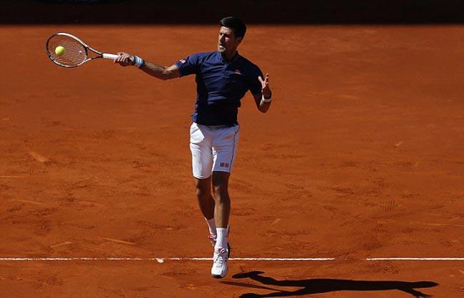 """Nadal """"đấm gió"""", Djokovic choáng với quyền lực đất nện - 3"""