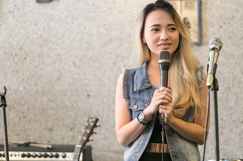 Bé Xuân Nghi lần đầu hát ở Việt Nam sau 7 năm vắng bóng - 4
