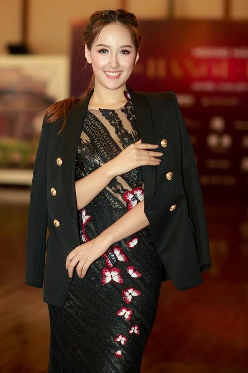 """Mai Phương Thúy tái xuất gợi cảm, khoe dáng """"nữ thần"""" - 2"""