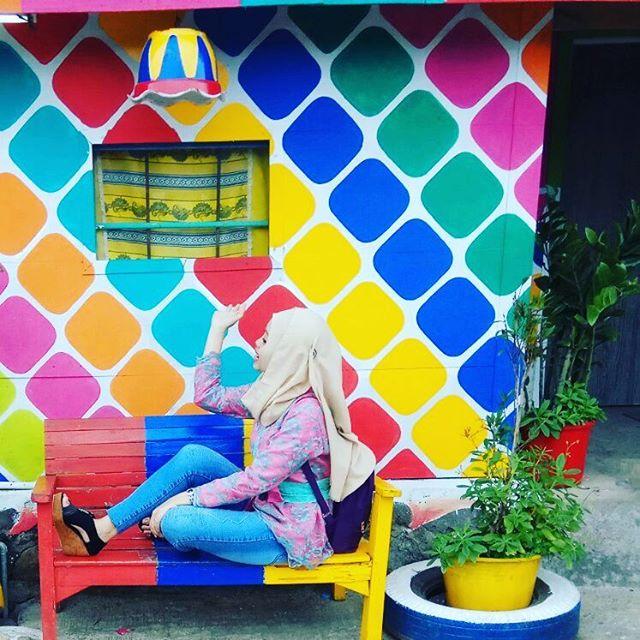 """Ngôi làng 7 màu đang khiến dân """"sống ảo"""" chao đảo ở Indonesia - 3"""