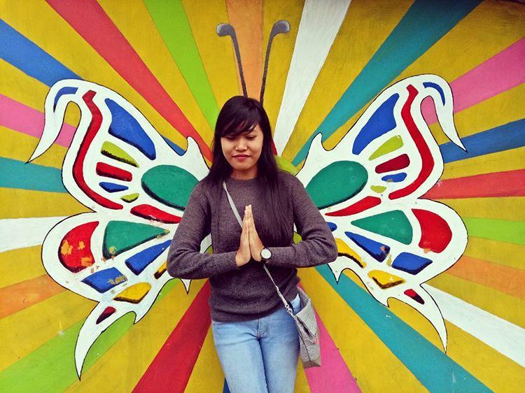 """Ngôi làng 7 màu đang khiến dân """"sống ảo"""" chao đảo ở Indonesia - 25"""