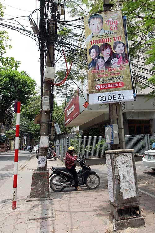 """Những """"nhân viên truyền thông"""" bất đắc dĩ trên phố Hà Nội - 11"""