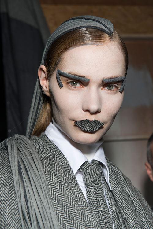 """Rùng mình với những kiểu make up """"doạ ma"""" trên thế giới - 4"""