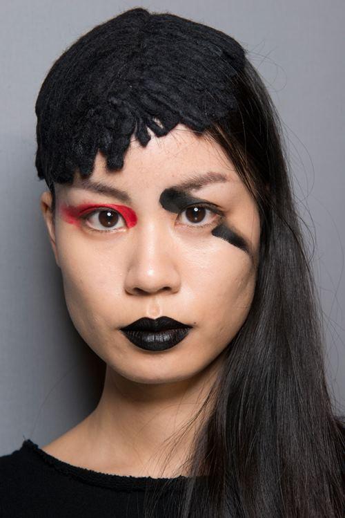"""Rùng mình với những kiểu make up """"doạ ma"""" trên thế giới - 7"""
