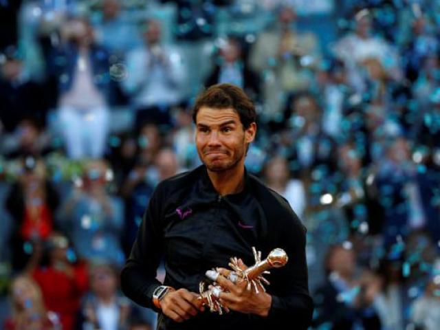Lập hattrick, Nadal san bằng siêu kỉ lục của Djokovic