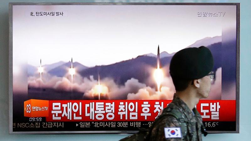 Triều Tiên tuyên bố tên lửa vừa bắn mang được hạt nhân - 1