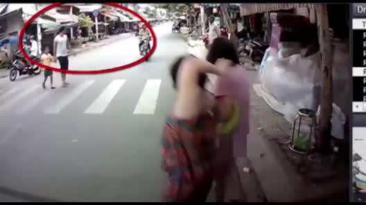 Bắt băng nghiện ma túy gây hàng loạt vụ cướp táo tợn ở SG