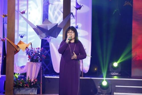 Mẹ Trấn Thành khóc trên truyền hình, không muốn con trai làm nghệ sĩ - 8