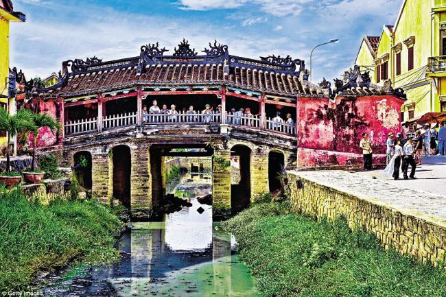 Khách Tây chia sẻ trải nghiệm chân thật ở Việt Nam - 5