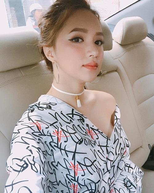 """Váy áo """"lả lơi như sắp rơi"""" của ca sĩ Việt đang bị """"ném đá"""" - 9"""