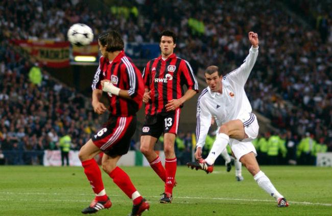 """Zidane: 15 năm tuyệt tác vô lê đưa Real """"lên đỉnh"""" châu Âu - 1"""