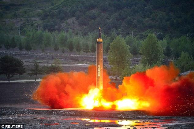 """Triều Tiên tung video phóng tên lửa có """"tầm bắn tới Mỹ"""" - 1"""