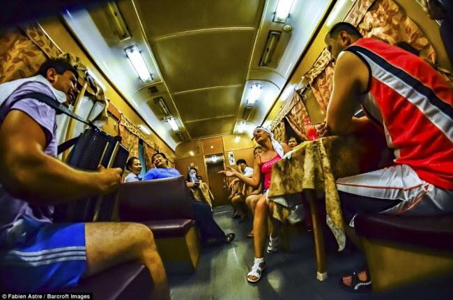 """Trải nghiệm có """"một không hai"""" trên chuyến tàu chạy xuyên Mông Cổ - 4"""