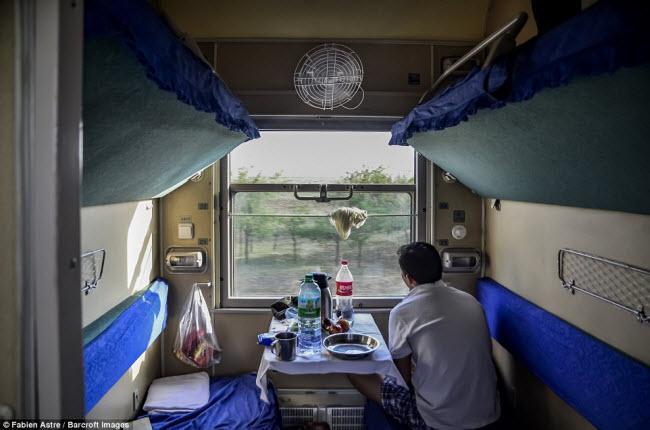 """Trải nghiệm có """"một không hai"""" trên chuyến tàu chạy xuyên Mông Cổ - 2"""