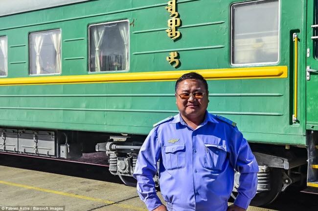 """Trải nghiệm có """"một không hai"""" trên chuyến tàu chạy xuyên Mông Cổ - 12"""