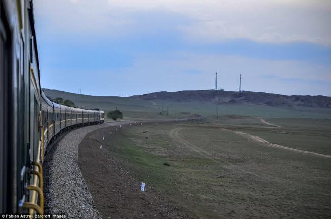 """Trải nghiệm có """"một không hai"""" trên chuyến tàu chạy xuyên Mông Cổ - 14"""