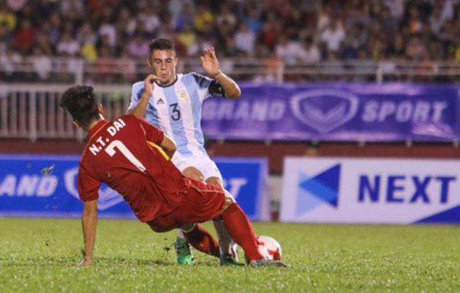 Chuyên gia lo lắng cho U-20 Việt Nam - 1