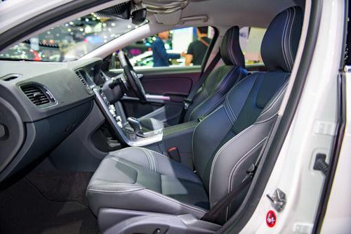 Volvo S60 Polestar: Sedan hạng sang giá 1,4 tỷ đồng - 7