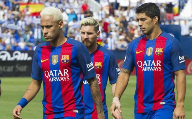 Messi ích kỷ vẫn thua Ronaldo: Chiếc giày vàng vô nghĩa - 1