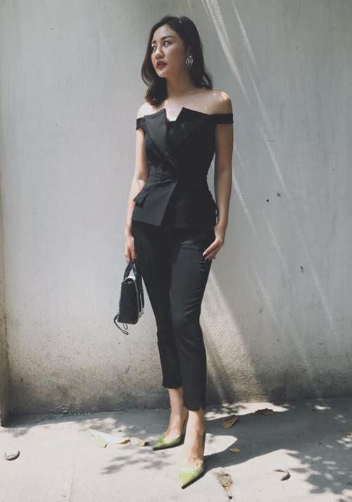 Angela Phương Trinh, Midu diện váy ngắn khoe chân dài thon nuột - 9