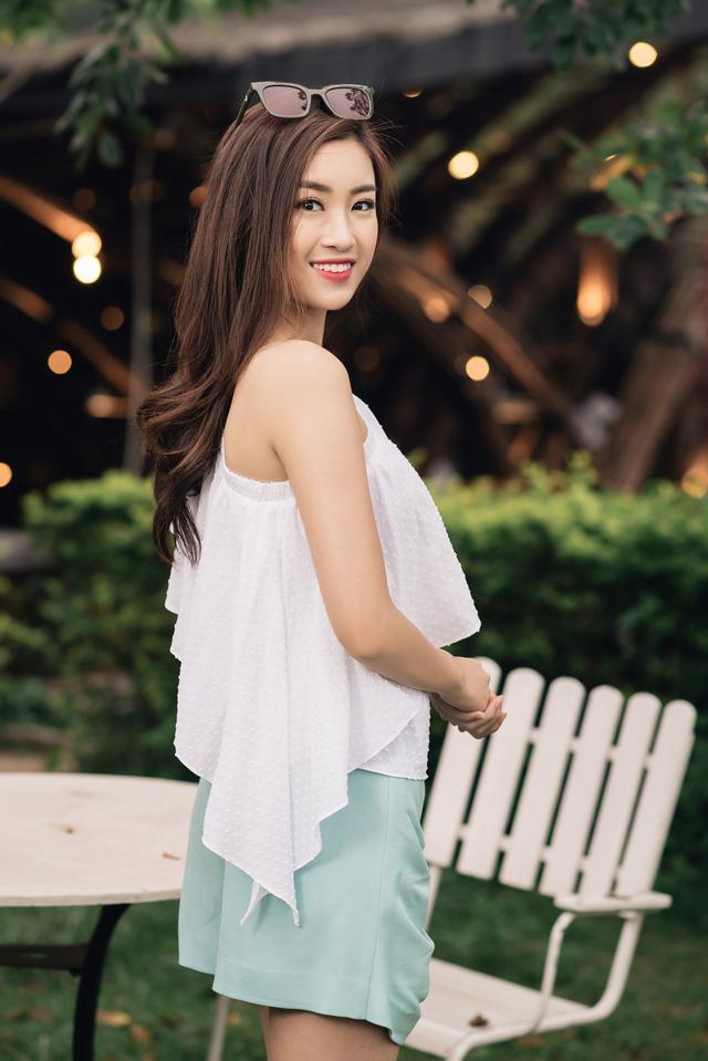 Hoa hậu Mỹ Linh kiếm được tiền vẫn xin phép mẹ mua hàng hiệu - 4