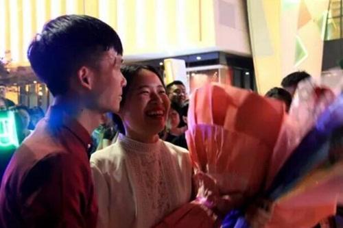 Được cầu hôn bằng tiền tỷ, cô gái TQ lập tức đồng ý - 6