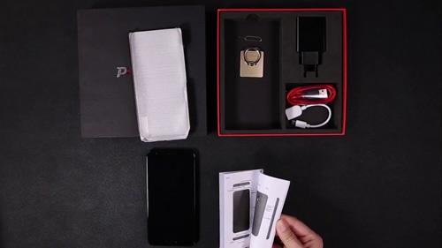 Giới công nghệ săn lùng smartphone sạc 5 phút đàm thoại 2 giờ - 6