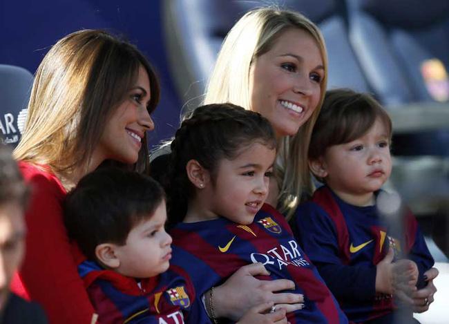 Có bồ đại gia, bạn gái Messi vẫn hùn vốn với vợ Suarez bán giày - 7