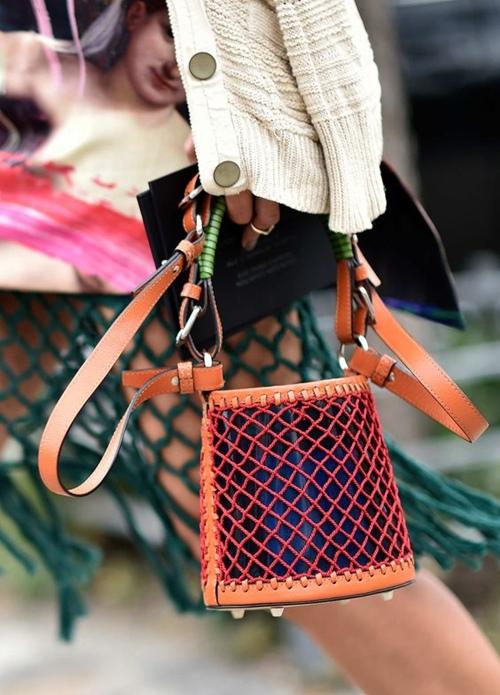 Gigi Hadid gợi ý mẫu túi xách hot nhất 2017 - 15