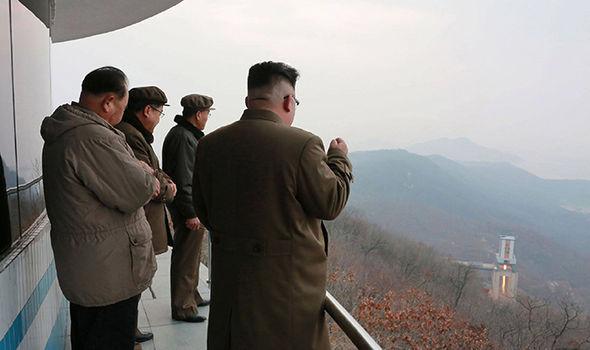 """Mỹ cam kết """"sắt đá"""" cùng đồng minh đối phó Triều Tiên - 3"""