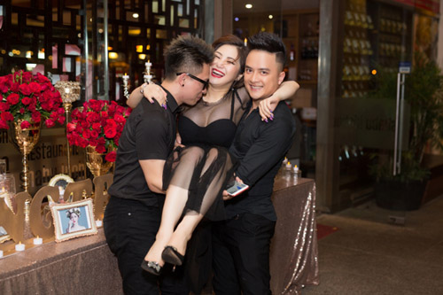 Lấy vợ rồi nhưng Cao Thái Sơn vẫn thường xuyên ôm ấp cô gái này - 3