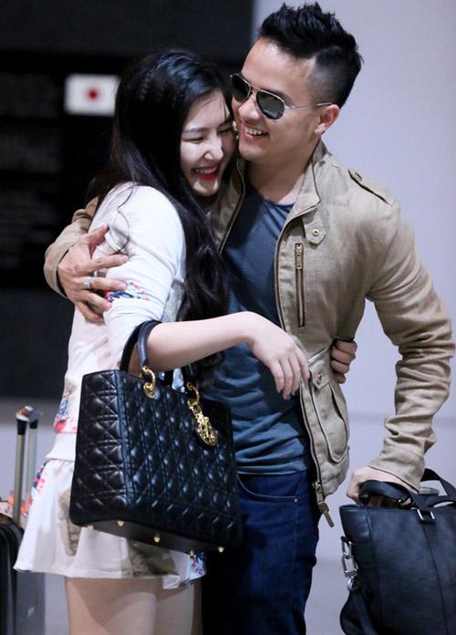 Lấy vợ rồi nhưng Cao Thái Sơn vẫn thường xuyên ôm ấp cô gái này - 8