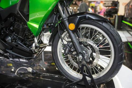 Phái mạnh Việt có nên mua Kawasaki Versys-X 300? - 4