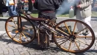 Độc đáo xe môtô chạy bằng động cơ hơi nước