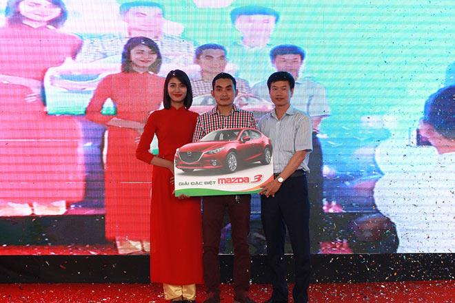 Tìm được chủ nhân may mắn mua An Bình City nhận giải đặc biệt xe ô tô Madza 3 - 1