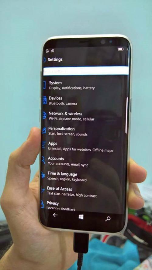 """""""Lạ lẫm"""" Galaxy S8 chạy hệ điều hành Windows 10 - 1"""