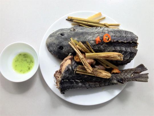 Cá lau kính hấp sả, món khoái khẩu của dân nhậu - 3