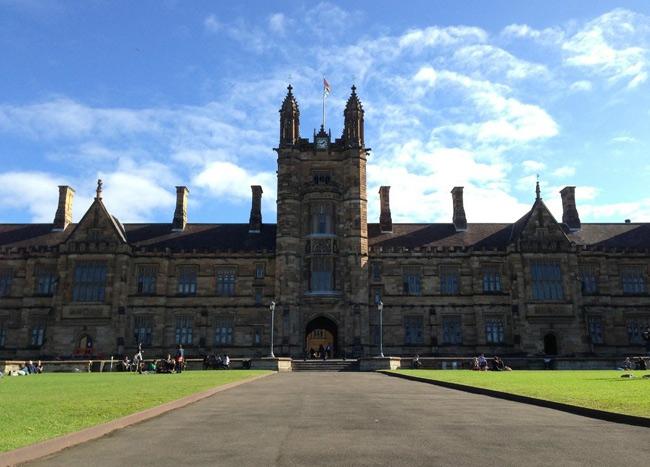 Đại học Sydney được thành lập năm 1850, là trường đại học lâu đời nhất Australia.