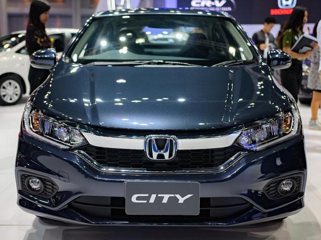 """Giá chỉ 300 triệu đồng, Honda City 2017 """"cháy hàng"""" - 3"""