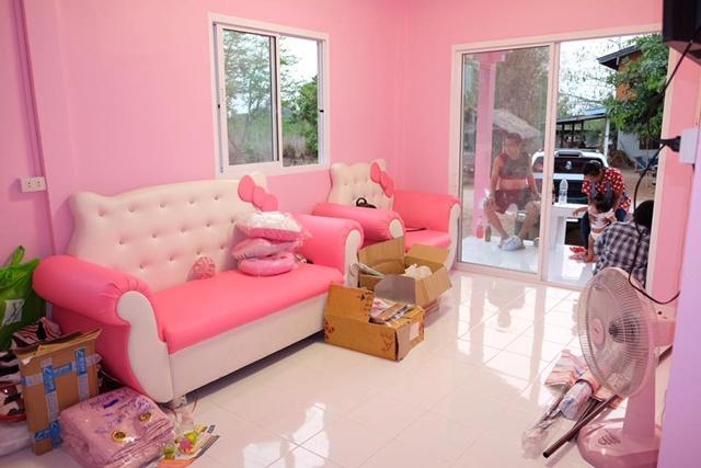 Bố mẹ của năm: Bỏ trăm triệu xây nhà Kitty hồng rực cho con gái - 10