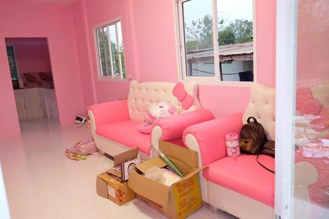Bố mẹ của năm: Bỏ trăm triệu xây nhà Kitty hồng rực cho con gái - 12
