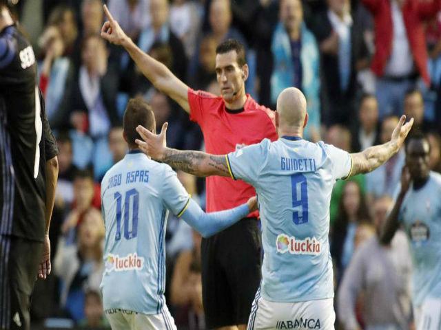 Real thoát penalty, Ronaldo thoát treo giò: Trọng tài bị tố tiếp tay