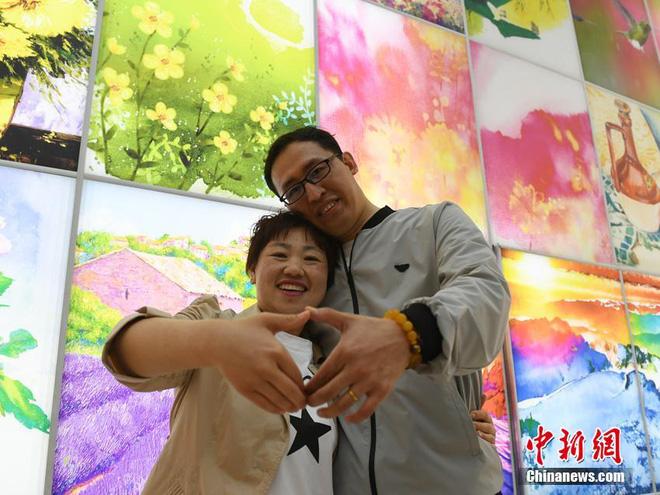 """Bị chồng bỏ, cô nàng Trung Quốc giảm 121 kg và nhận """"quả ngọt"""" - 2"""