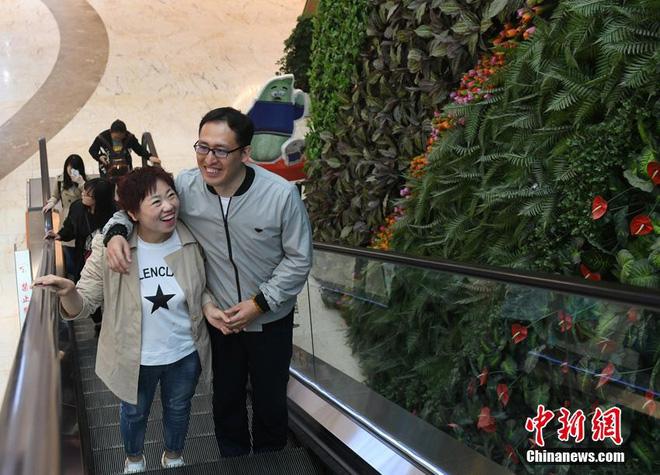 """Bị chồng bỏ, cô nàng Trung Quốc giảm 121 kg và nhận """"quả ngọt"""" - 5"""
