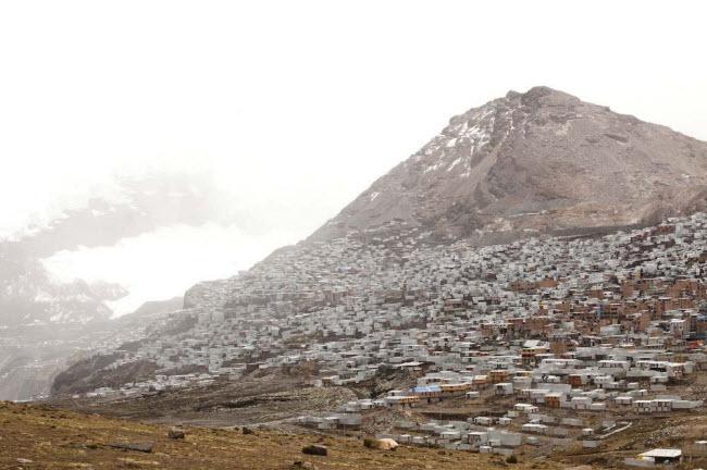 """Cuộc sống """"nghèo không thể tả"""" ở thành phố cao nhất thế giới - 2"""
