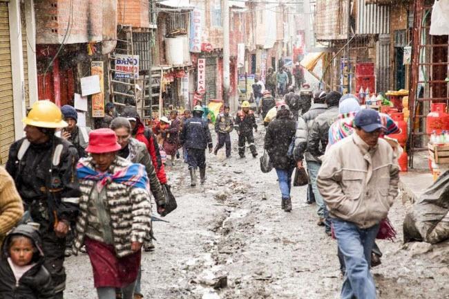 """Cuộc sống """"nghèo không thể tả"""" ở thành phố cao nhất thế giới - 3"""